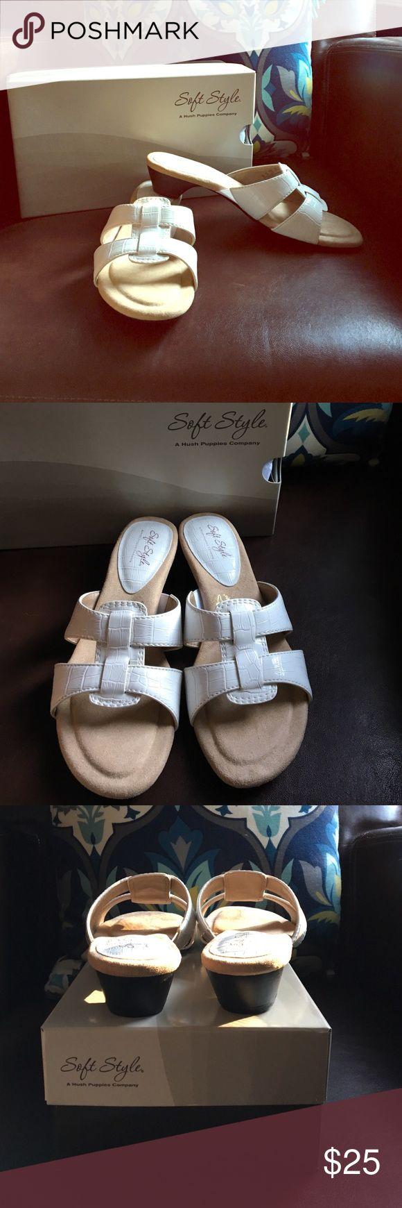 SALEHush Puppies Soft Style Sandals sz 9 NIB white Ellery Hush Puppies Soft Style slides. Hush Puppies Shoes Sandals