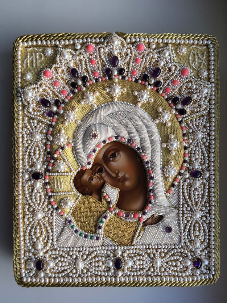 Icon frame (pearls, amethysts, coral beads, gold thread) Made by Larissa Borodich