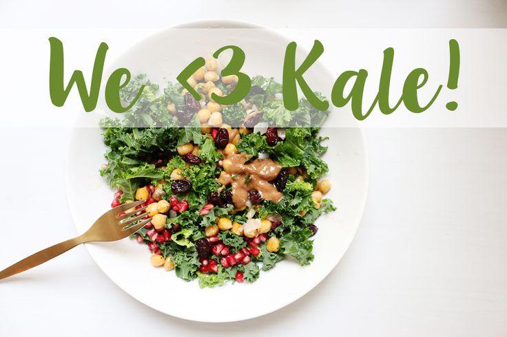 Ich liebe Grünkohl, und nicht erst seit dem die Amis dasTraditionsgemüse für sich entdeckt haben und es zu Chips verarbeiten oder Sweater damit bedrucken. Mein Papa baut seit einigen Jahren auf seinem Grundstück zwei Hochbeete voller Grünkohl an – nur für mich. Ich bin allerdings auch nicht so von der traditionellen Front und verarbeite Grünkohl meist zu Salat oder Smoothies. Meine liebste Variante seht ihr jetzt hier nach dem Sprung! I just love kale! My dad grows kale just for me in his…