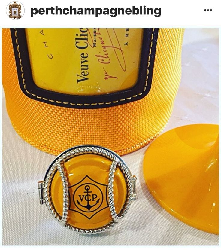 Another great champagne cap from Veuve Clicquot worn in a Wearing Memories Locket! carol@wearingmemories.com  #veuveclicquot #champagne