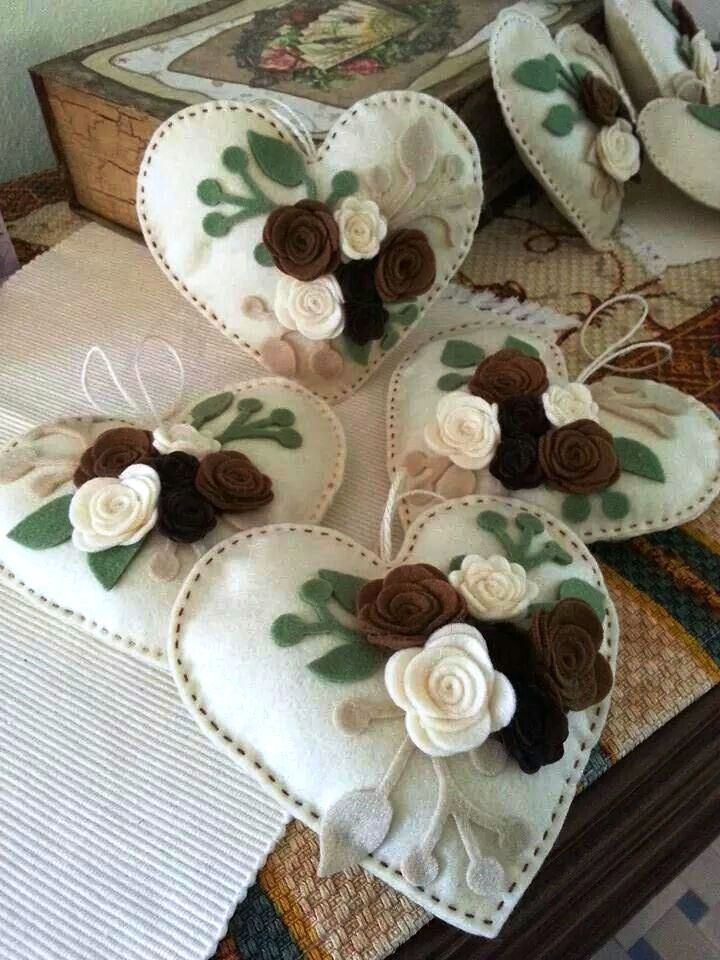 Hearts of white, cream, green and brown flowers