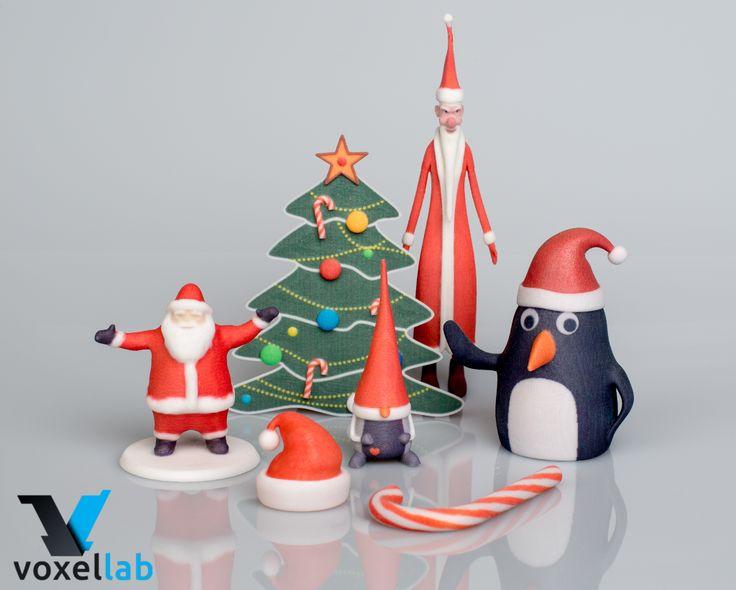 Kolekcija novogodišljih i prazničnih ukrasa i poklona koji se lako modifikuju i po želji personalizuju. Originalan poklon za prijatelje i poslovne saradnike.