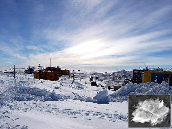 南極氷底湖に未知の生物が発見された?ボストーク湖。