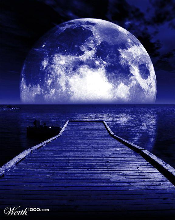 Blue Moon. #OPIEuroCentrale #ISawYouSawWeSawWarsaw and so big big big ever moon i see !