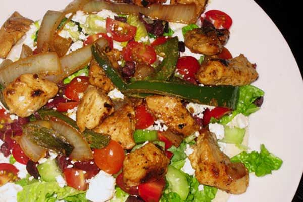 Chicken Souvlaki | this site is just loaded with awesome stuff and even has pin it buttons, because they know... lol