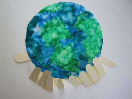 "Earth Day craft instructions for ""Earth Day Coffee Filter with Hands Craft 2"" from easypreschoolcraft.blogspot.com. Very cute idea but requires a coffee filter to complete as described. A modification would be to have them tear green construction paper and glue onto blue construction paper,  print off a globe template and let them color it in, or let them color their own globe from scratch."