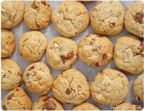 Recette de #cookies au #chocolat caramelia #Valrhona, chocolat blanc et amandes.