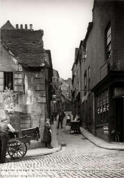 Drury Hill, Nottingham, 1906. Taken from Middle Marsh. This narrow lane was only 4ft 10 inches wide at its narrowest point.