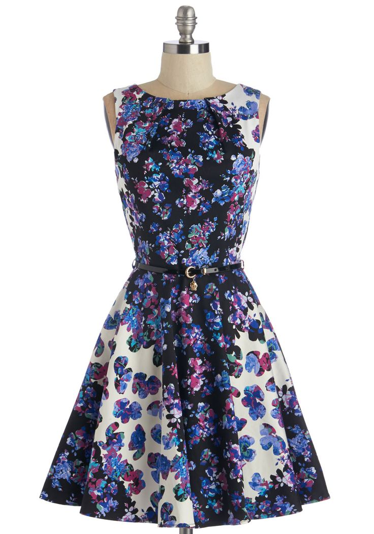 Luck Be a Lady Dress in Kaleidoscope Garden. If youve been searching for a charming new frock, then youre in luck! #multi #modcloth