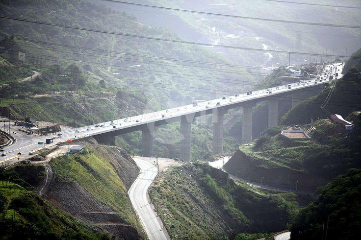 Nuevo viaducto Caracas La Guaira