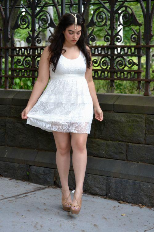 Minis, Beautiful Curves, Nadia Aboulhosn, Fabulous Curves, Curvy Girls White Dresses, Curvy Women, White Lace Dresses, Lace Pearls, Curvy Fashion
