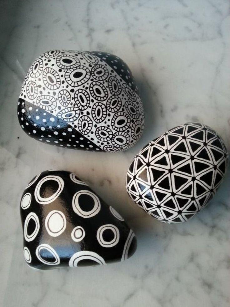 Basteln mit Steinen schwarz weiß