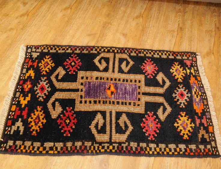 alfombra persa ,hecho a mano,talle pequeño,vintage de toranjeabi por DaWanda.com