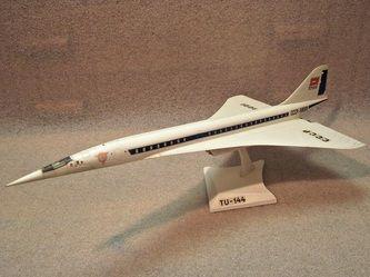 TU-144 by VEB Plasticart. Details: http://pufiland.weebly.com/planes.html