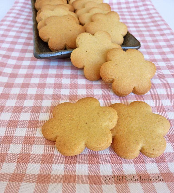 Biscotti semplici di kamut senza lattosio