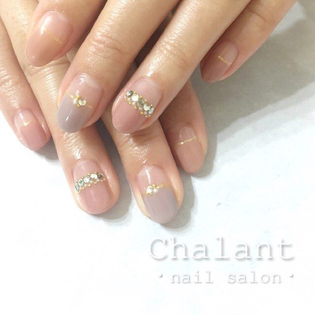 "88 Likes, 1 Comments - nailsalon Chalant (@chalant_nail) on Instagram: ""まっすぐフレンチ×キラキラ✨ ・ ・ 【ご予約・お問い合わせ】 0422-27-6367 http://www.chalant-nail.com nailist @sana_1018 ・ ・…"""