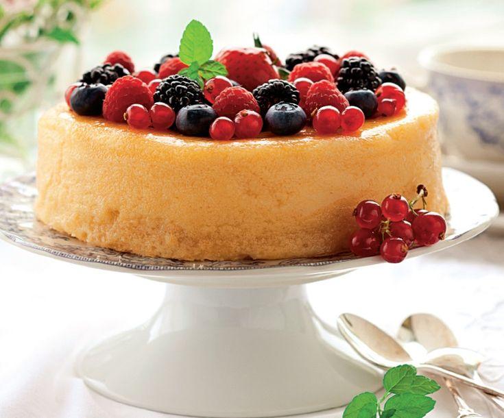 Prăjitură cu brânză şi fructe de pădure - Retete culinare - Romanesti si din Bucataria internationala