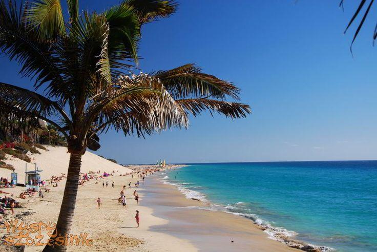 Widok z promenady na plażę w Morro Jable
