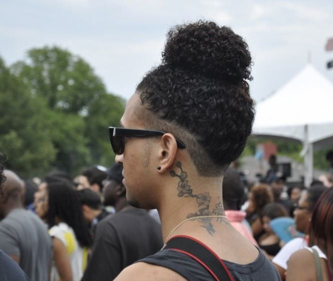 August Alsina Debuted His Man Bun Yesterday And Its Trending - 10 Men Who Wear Man Buns [Gallery]