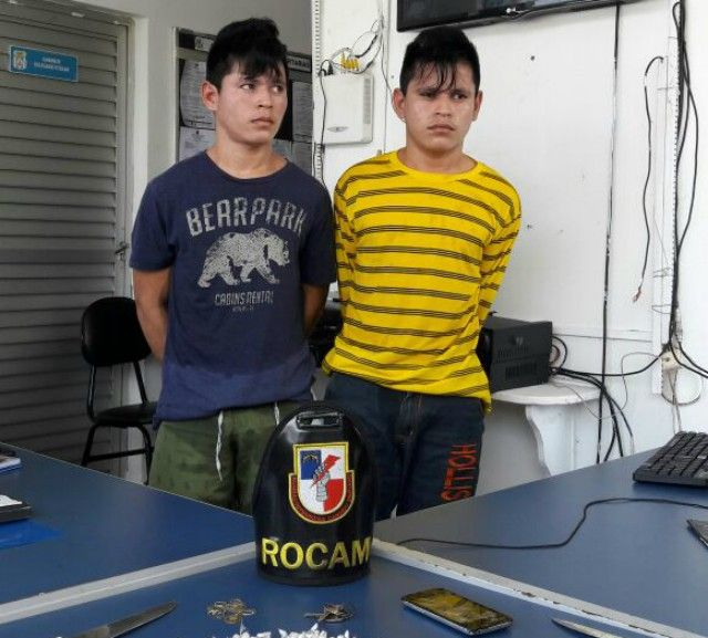 A Polícia Militar, por meio da Operação Iranduba Segura e ação dos policiais das Rondas Ostensivas Cândido Mariano (Rocam), deteve, em uma área rural do município localizado na Região Metropolitana, irmãos gêmeos envolvidos com o tráfico de drogas. De acordo com as informações da equipe de policiais da viatura 8761, ao realizar patrulhamento na rua Fabiano, situada na zona rural daquela cidade, receberam denúncia via WhatsApp de denúncias da unidade (92) 99280-7574, informando que dois…
