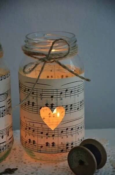 Holz Mit Tapete Bekleben : Mason Jars and Sheet Music