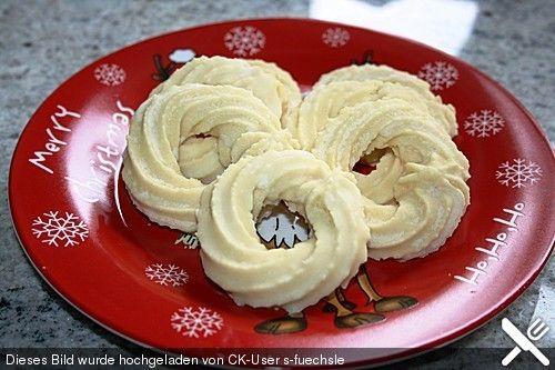 Eierlikör - Kringel, ein schönes Rezept aus der Kategorie Kekse & Plätzchen. Bewertungen: 7. Durchschnitt: Ø 3,9.