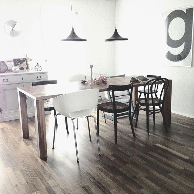 1000 id es propos de chaises d pareill es sur pinterest for Table de cuisine salle a manger 6 chaises ella