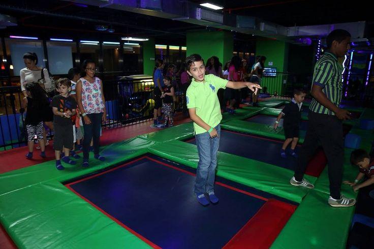 On instagram by rebounderzpanama  #arcade #microhobbit (o)  http://ift.tt/1PBy8LI  Comienza el año nuevo saltando y lleno de adrenalina! Hoy estamos abiertos!! Te esperamos de 2:00 p.m. a 10:00 p.m. #SoyRebounderz  #RebounderzPanama  #Trampolines #Indoor #Arcade #Saltos #Juegos #Familia #Niños #Panama #Pty