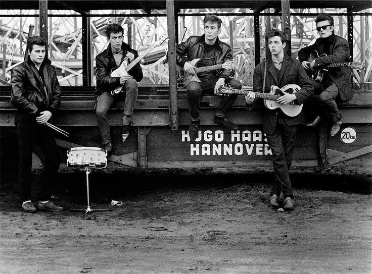 """Dal 7 luglio al 9 ottobre Palazzo Fava la mostra Astrid Kirchherr with the Beatles, che racconta la storia del gruppo inglese durante i """"Giorni di Amburgo""""."""