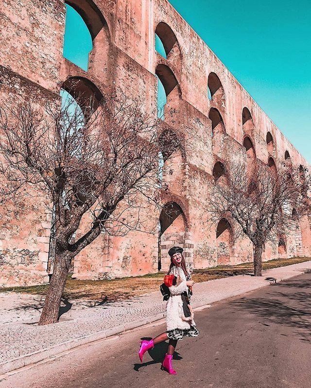 PT: O Aqueduto da Amoreira em Elvas tem85 quilómetros de extensão e arcos e torresque chegam a ter 31 metros de altura. É considerado o maior aqueduto daPenínsula Ibérica. Obrigado pela visita e por esta fotografia maravilhosa @travelthelife! . EN: Amoreira Aqueduct in Elvas is 5.3 miles long and arches and towers which can reach 100 feet high. It is considered the biggest aqueduct in the Iberian Peninsula. Thank you for your visit and this wonderful picture @travelthelife! .  #portugal…