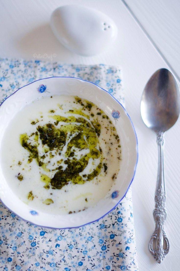 Her evde mutlaka pişen ilk beş çorbadan biridir yayla çorbası. Türk mutfağının geleneksel lezzetlerindendir. İçindeki yoğurt ve yumurta nedeniyle oldukça besleyici olduğundan ve özellikle de çocuklar çok sevdiğinden annelerin favori çorbasıdır. Yapımı kolay, her evde bulunan malzemelerle hazırlanabilen mütevazi bir çorbadır. Bizim evde