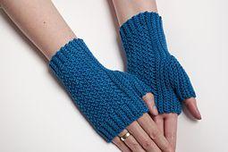 Ravelry: Sky Blue Mittens pattern by Tanja Osswald