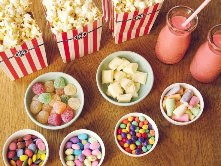 BLOGGED: Popcorn party for tonight's Oscars party... who's with me? Head over to the blog to find out how to make your very own popcorn bar. Nom Nom > http://www.mylifeinpink.co.za/?p=2902  #popcorn #party #oscars2015