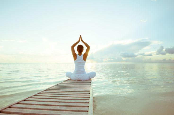 Yoga am Wasser. Eine wunderbare Vorstellung. Für manche auch Realität :)