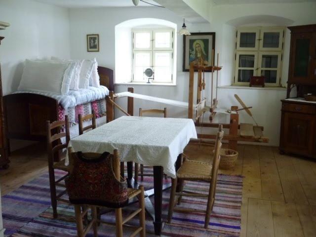 More Hungarian interior love.