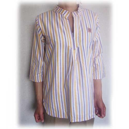 すっぽりと被るスモックタイプのシャツ。 しっかりとしたコットンが何度も洗えて、普段使いに最適です。 立襟がカジュアルになり過ぎないデザインですが、バックの首周...|ハンドメイド、手作り、手仕事品の通販・販売・購入ならCreema。
