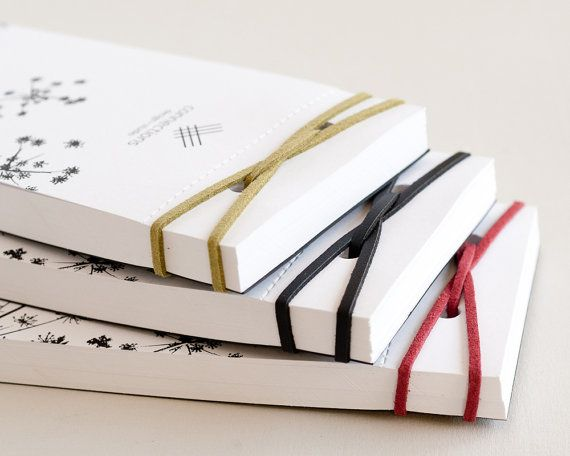 "Memo Notizblock- Student Notepad von StudioConnections - Handmade memo notepad with leather binding. 120 blank white sheets, with perforation for easy pulling-out. Binding leather thread in different colors of your choice: black, red, green, dark brown and off-white. Size: 3.1"" x 7.87"" (8 x 20 cm)"