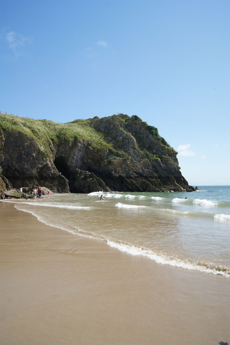 Tenby - WALES my dream picnic location used to go every year as a child on holiday #perfectpicnic #joules
