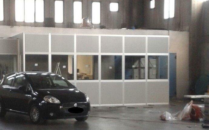 Box multiuso (sala collaudo) realizzato con pareti divisorie mobili