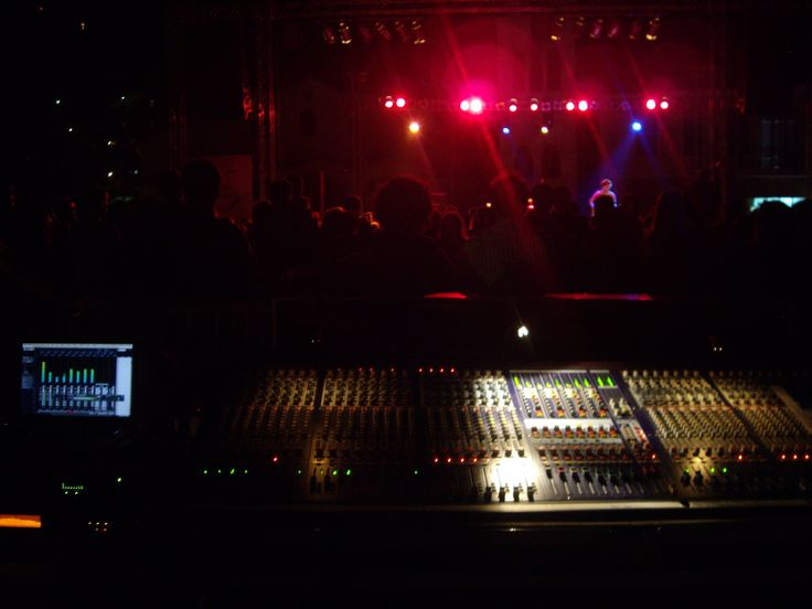 Underhill West Live recording at the metropolis. Take a look here https://www.youtube.com/watch?v=v5hA0YijtBY