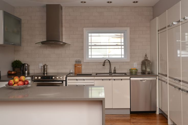 Modern White Gloss With Grey Kitchen By Acco Kitchen And Bath In Ottawa Canada Features