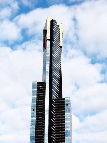 南半球一の高さを誇るユーレカタワーに登って高所体験。メルボルン旅行の観光アイデア。