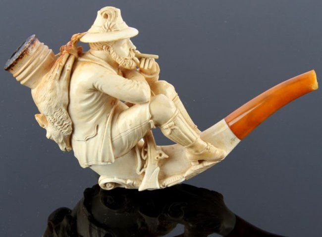 MEERSCHAUM PIPE TYROLEAN HUNTER 19TH C. : Lot 3401