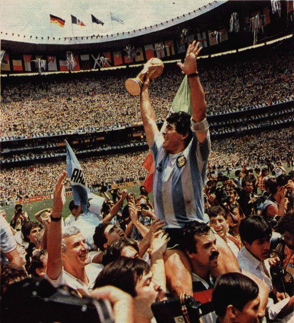 La mágica estampa de recuerdo, Diego Armando Maradona campeón mundial México 86.