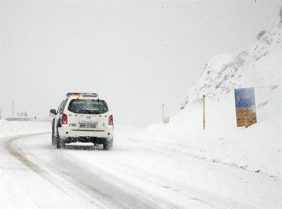 La AEMET rebaja el nivel de alerta del norte y las carreteras principales siguen despejadas