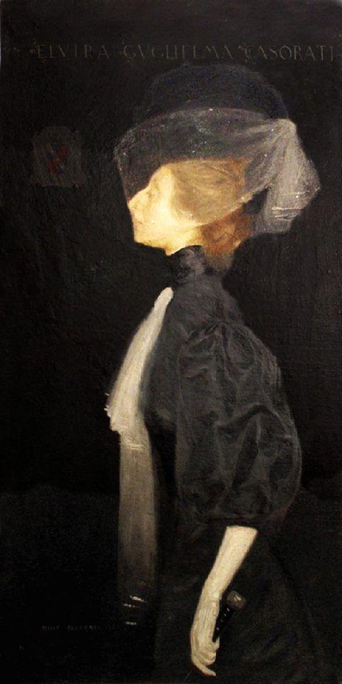 Retrato de uma senhora ou o retrato de sua irmã Elvira de 1907 - Felice Casorati   Este retrato de uma senhora, feito por Casorati, aos vinte e quatro anos,  fez sua estréia como um trabalho aristocrático, um registo mundano e elegante, para o qual  sua irmã mais velha Elvira havia posado.    Primeira filha da mãe do pintor, foi tema favorito de outros retratos, com uma fisionomia particular, marcada por um grande nariz aquilino.  O perfil da modelo aparece como uma dama da alta sociedade…