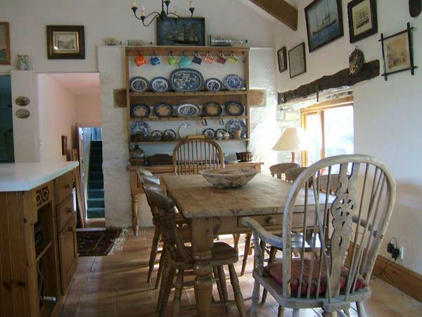 Ddol Lwyd - Farmhouse kitchen