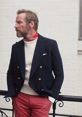 50代男性×赤パンツの着こなし(メンズ)