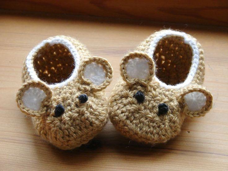 Crochet Pattern (PDF file) Little Fieldmouse Baby Shoes