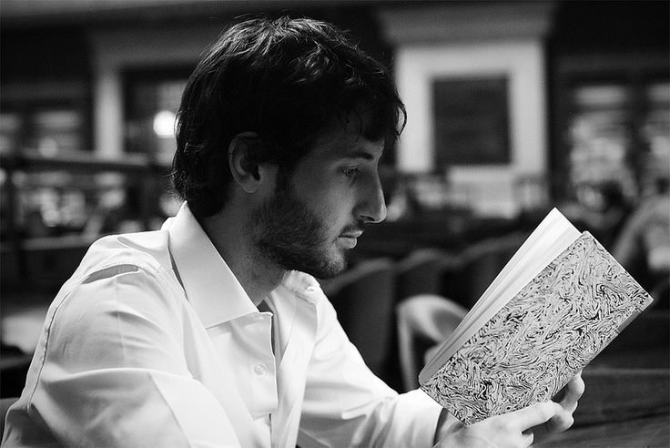 'young people prefer twitter or play, I'm reading a book' - Esteban Granero (@eGranero11) ex Real Madrid Player